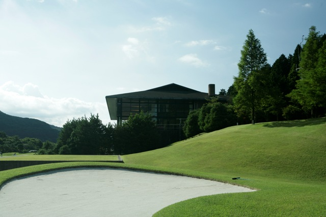 ゴルフ 箱根 コース 湖畔